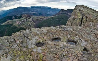 Асеновград,Белинташ и Караджов камък